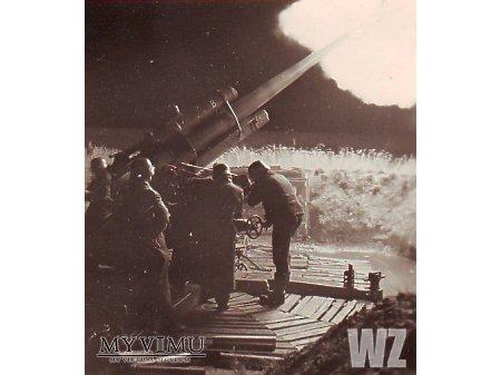 Duże zdjęcie Strzelanie z Flak 18