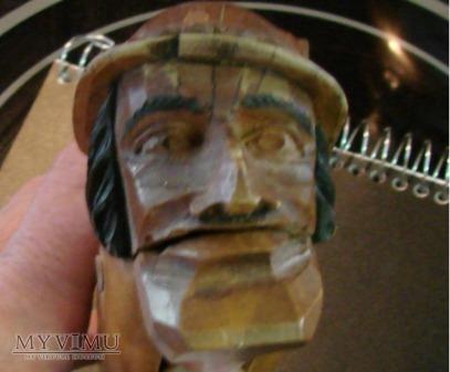 Drewniany dziadek do orzechów - rybak FISHERMAN