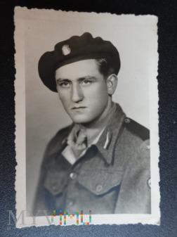 Zdjęcie żołnierza - na pamiątkę- lata 40-ste.