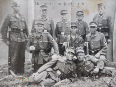 grupa niemieckich kaprali