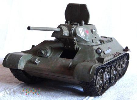 Czołg średni T-34 (wersja z roku 1941, STZ)