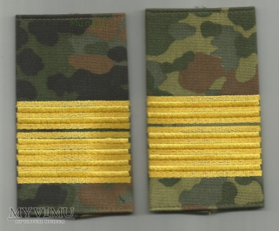 BW - polowe oznaki stopnia - Konteradmiral