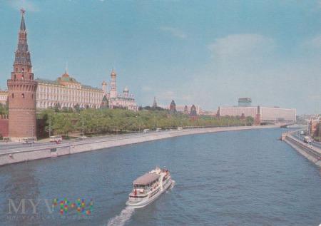 Duże zdjęcie Москва. Кремлевская набережная.