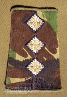 Oznaka stopnia: kapitan Royal Engineers