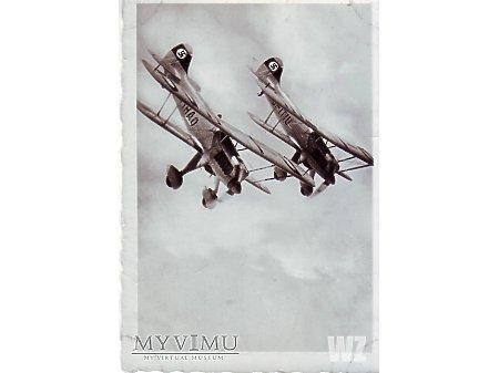 Duże zdjęcie Nurkujące samoloty Heinkel he-51