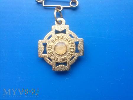 medalik z relikwią bł mari merkert