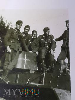 Niemcy - Fotografie z albumu - Kilku nas na czołgu