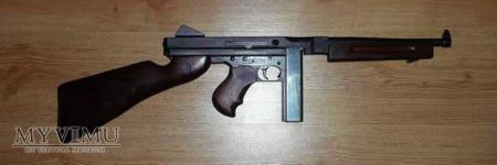 Pistolet maszynowy Thompson M1A1