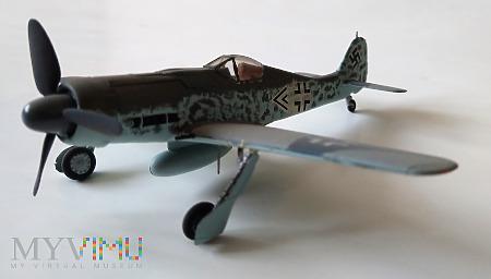 Samolot myśliwski Focke-Wulf FW-190D (model 1/72)