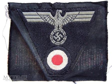 Duże zdjęcie Orzeł z czapki m43