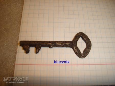 klucz do sejfu 012