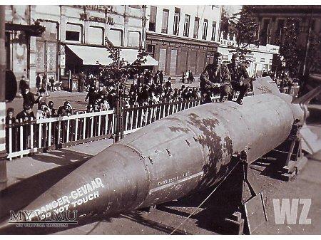 Duże zdjęcie Zdobyta rakieta V2 (2)