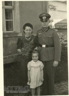 Żołnierz niemiecki z rodziną