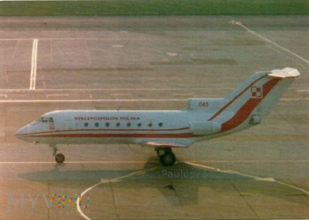 Jak-40, 045