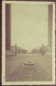 Paryż-Grób Nieznanego Żołnierza.