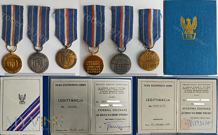 """Odznaka """"Za Zasługi dla Obrony Cywilnej"""""""