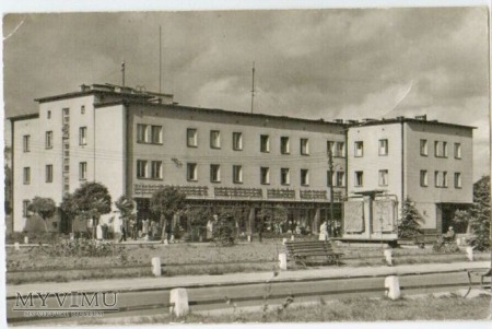 Stalowa Wola-Poczta i Hotel Miejski.
