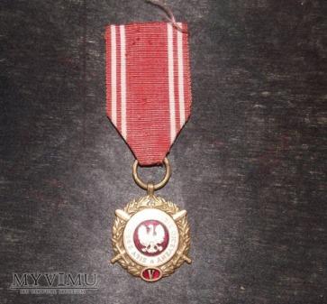 Medal z okresu PRL.