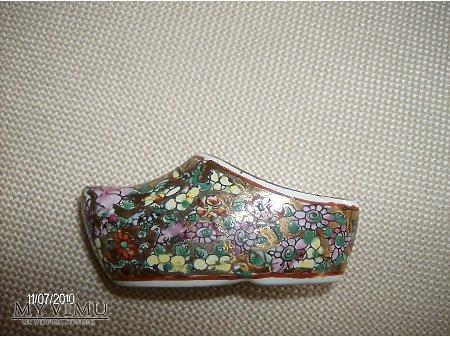 Duże zdjęcie chiński bucik porcelanowy