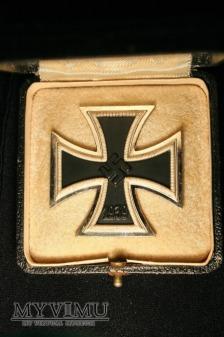 """Krzyż żelazny 1 klasy w etui.""""4"""""""