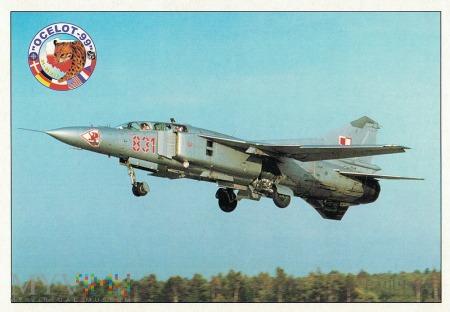 Duże zdjęcie MiG-23 UB, 831