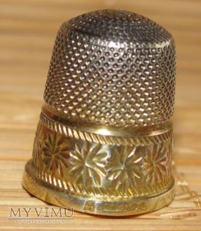 Naparstek srebrny pozłacany (3)