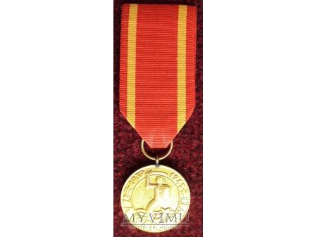 Duże zdjęcie Medal za Warszawę 1939-1945