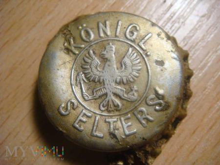 Kapsel od Niemieckiej butelki z wodą mineralną