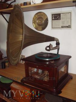 Gramofon z silnikiem Stirlinga