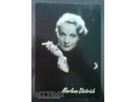 Marlene Dietrich Marlena i papieros lata 30-te