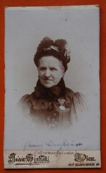 Duże zdjęcie Babcia na medal