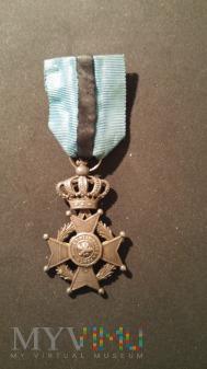 Krzyż Kawalerski Orderu Leopolda II z nadaniem