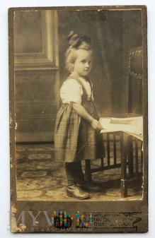 Zdjęcie na kartoniku dziewczynka Oberglogau