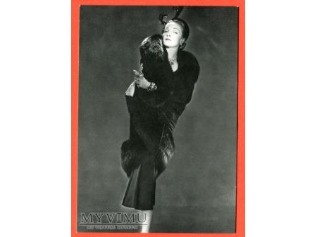 Marlene Dietrich Marlena w futrze pocztówka