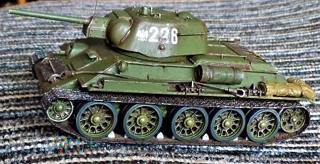 Czołg T-34-76 UZTM