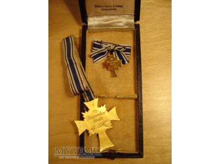 Mutterkreuz 1.stufe in Gold