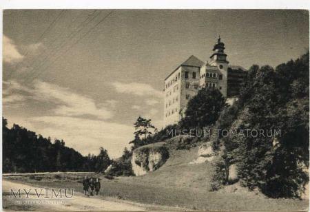 Pieskowa Skała od wschodu (zamek) - 1958 rok.