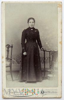 Zdjęcie kobieta w czerni Oberglogau