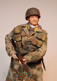 Duże zdjęcie Fliger z Fallschirm-Jäger-Regiment 6.