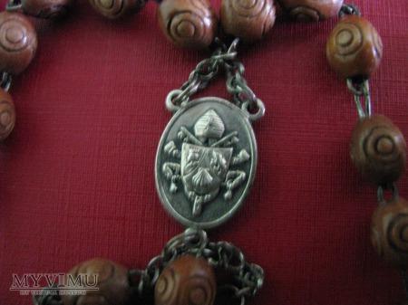 różaniec pobłogosławiony przez Benedykta XVI