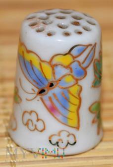 Naparstek -motyl i kwiat