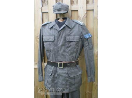 Policja: Mundur ćwiczebny letni z lat 90-tych