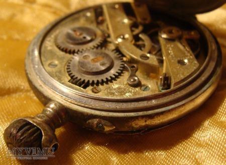 srebrny zegarek HELIOS