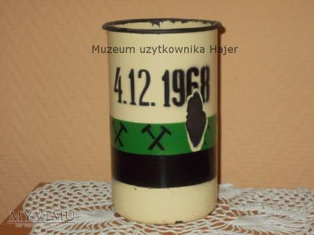 Stary kufel metalowy Barbórka 4.12.1968