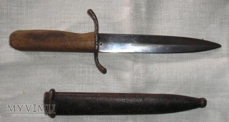 Duże zdjęcie Nóż szturmowy/okopowy.