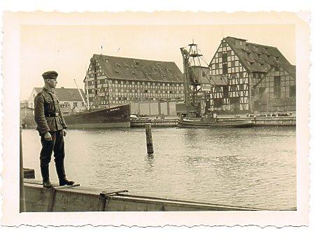 Duże zdjęcie Widok na port