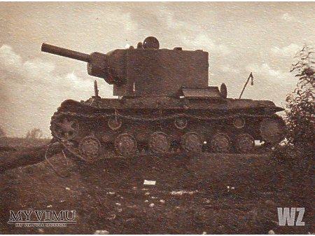 Duże zdjęcie Radziecki czołg KV-2