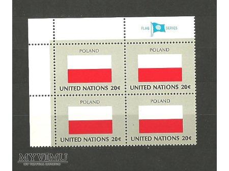 Duże zdjęcie Poczta ONZ znaczek z polską flagą.