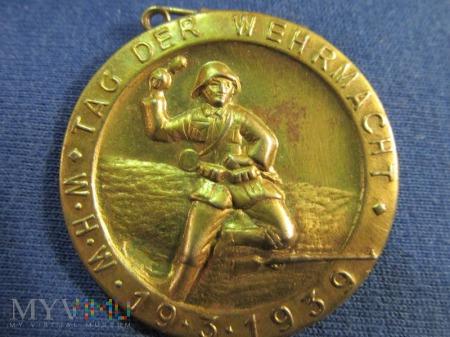 Tag der Wehrmacht-odznaki Whw