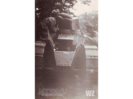 1940. FT-17